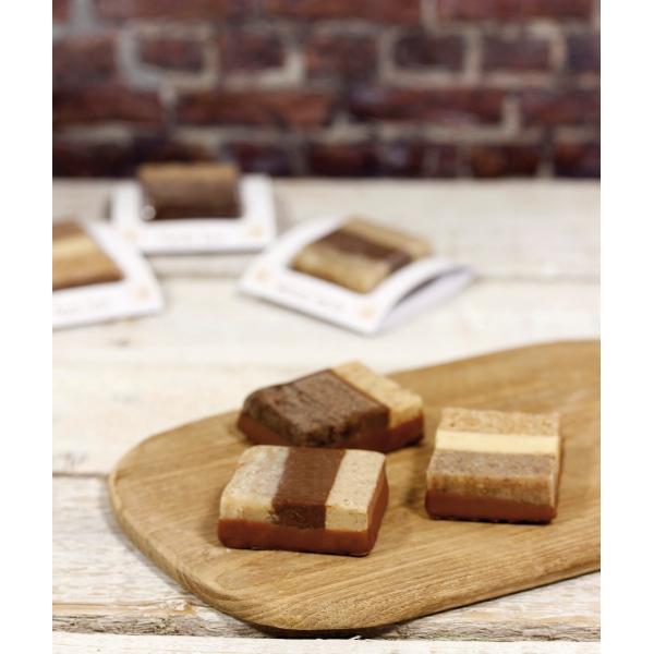 Dreischichtige Dessert Pasteten - Mandel Rum