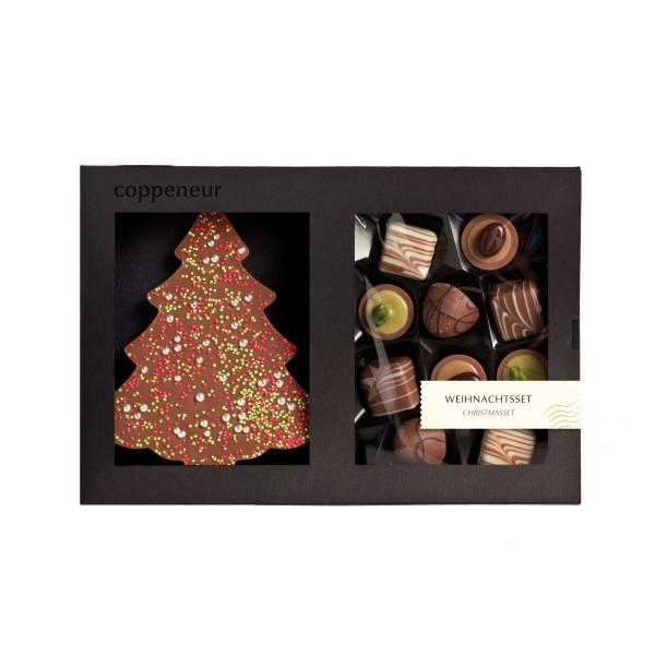 Weihnachtsbaum und Pralinen